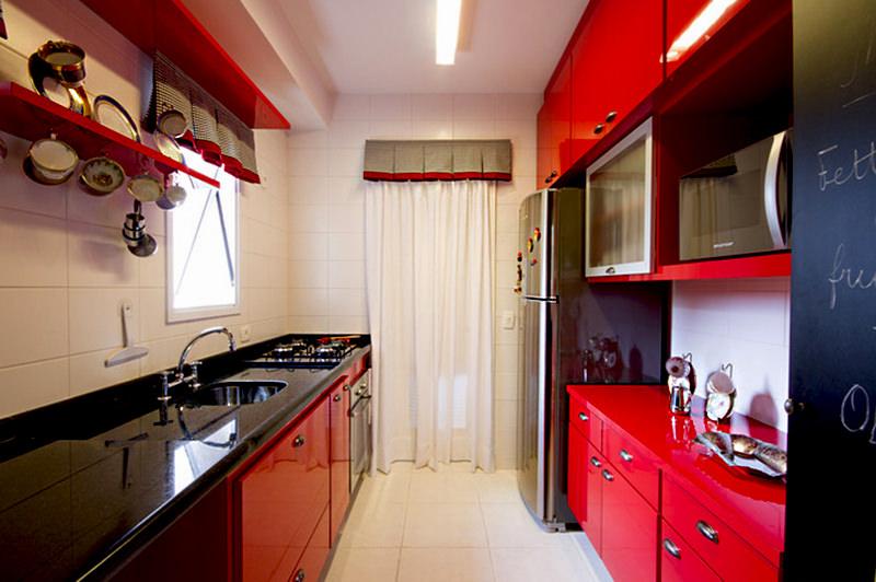 cozinha vermelha e preta em laca.