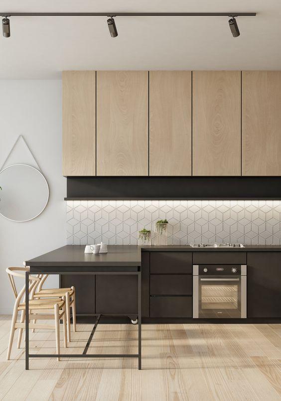azulejo geométrico e armário em madeira clara