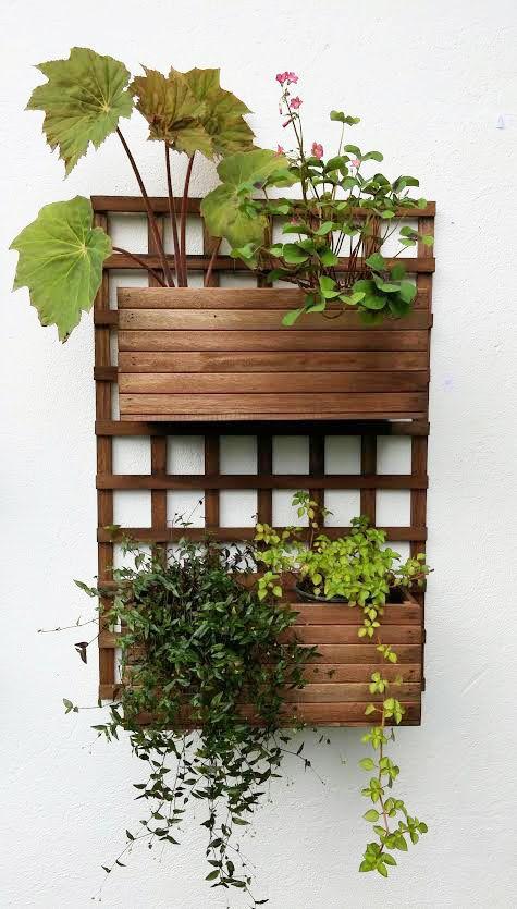 Jardim vertical de madeira,