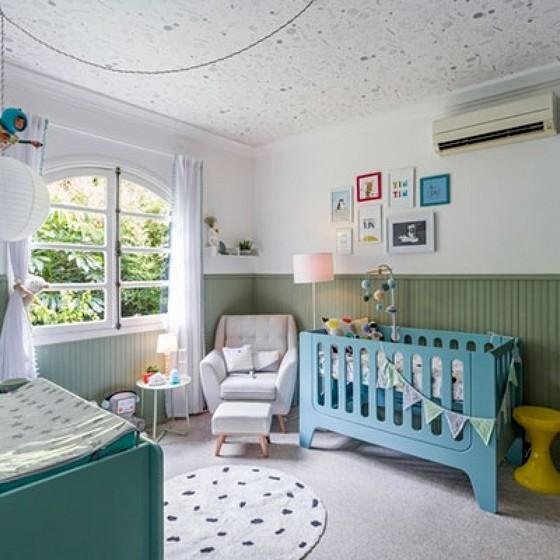 quarto de bebê lambri verde oliva