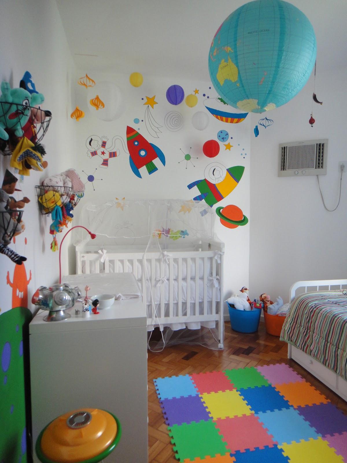quarto de bebê foguetes