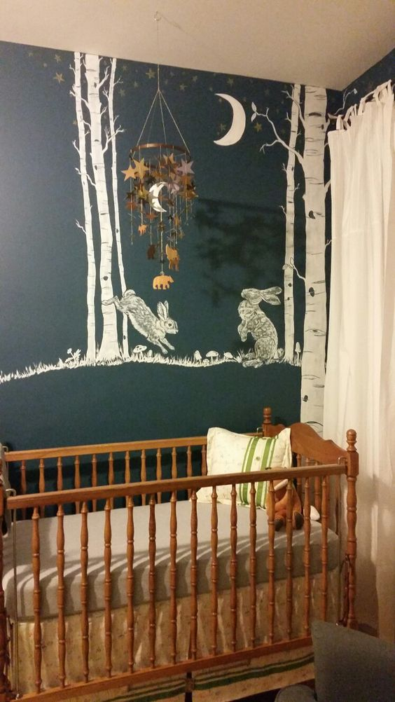 quarto de bebê menina com motivo de coelhos.