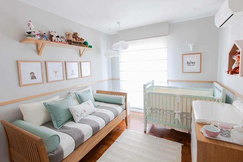 quarto de bebê verde claro e cinza