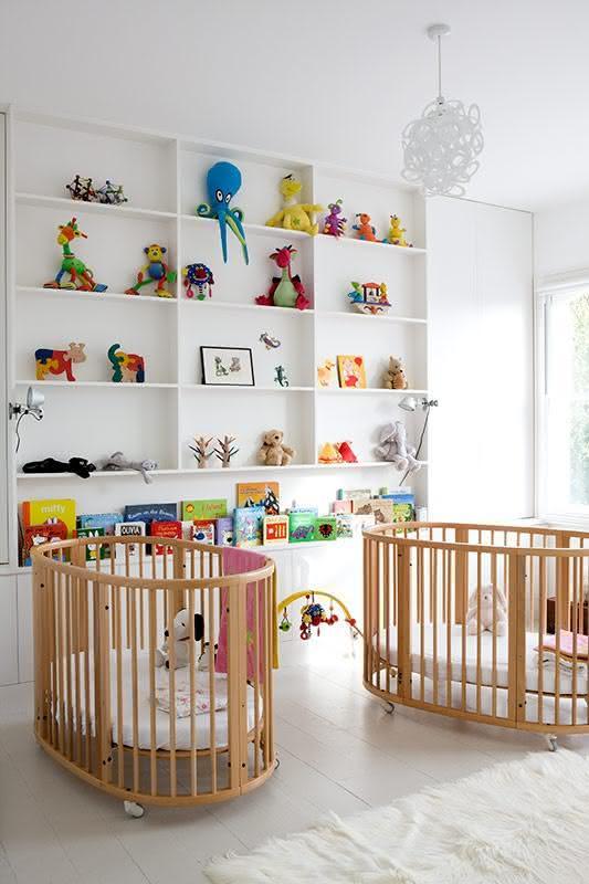 quarto colorido toy