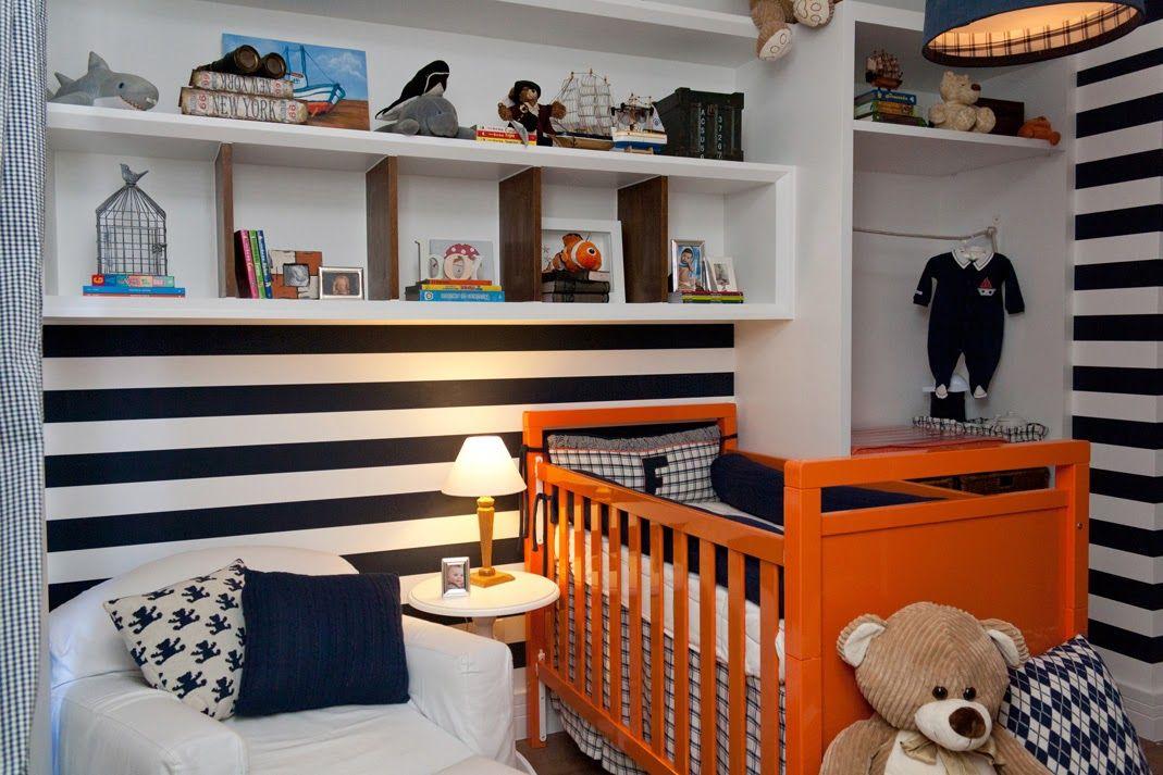 listras azuis quarto de bebê