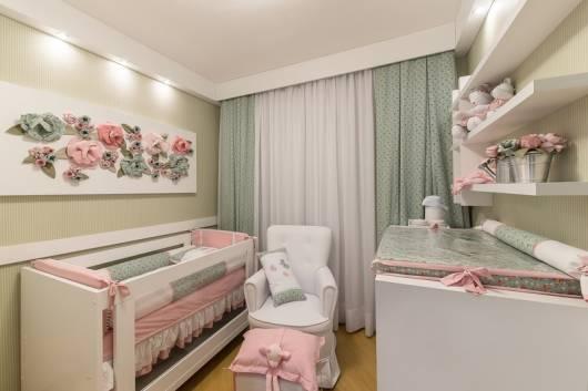 quarto de bebê menina cinza verde e rosa