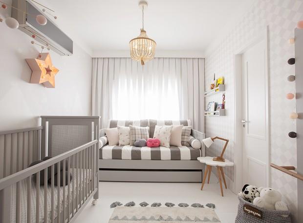 quarto de  bebê menina cinza e pink