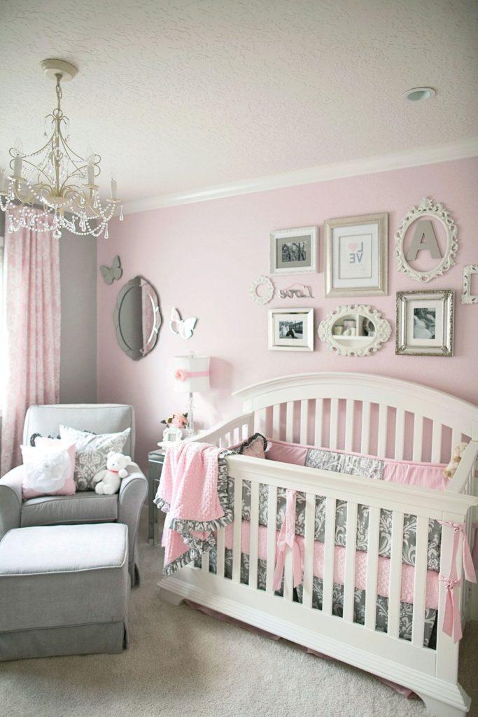 Quarto de bebê menina rosa provençal