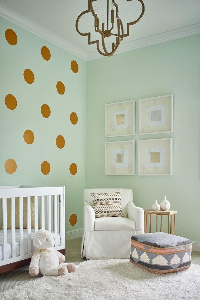 quarto verde água e dourado bebê