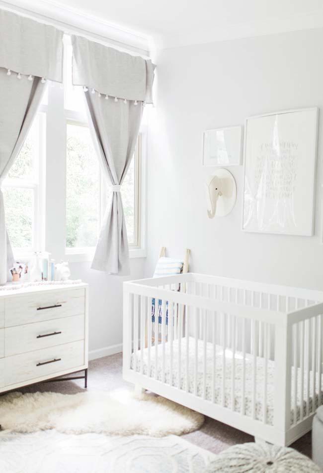 quarto bebê menino todo branco