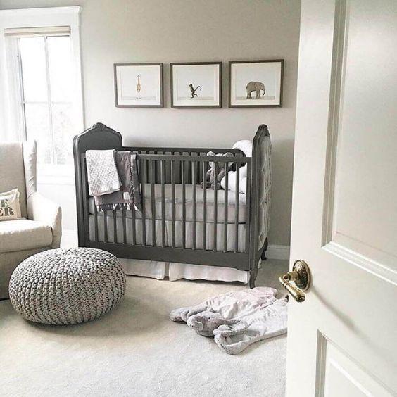 quarto de bebê menina totalmente cinza