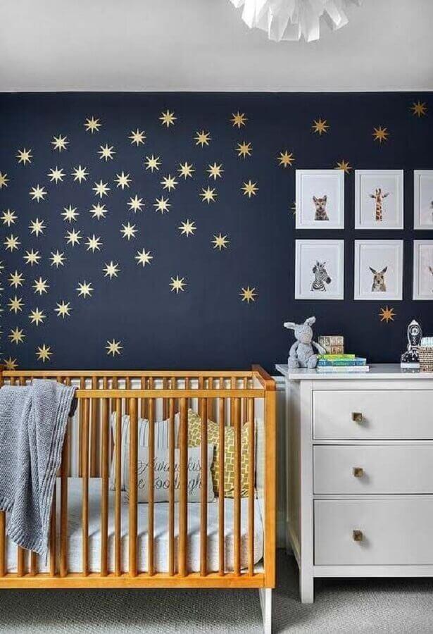 quarto azul e dourado bebê