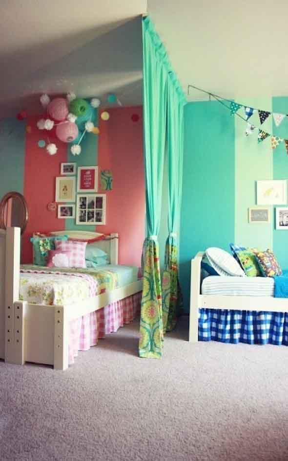 quarto de criança para menina e menino com listras