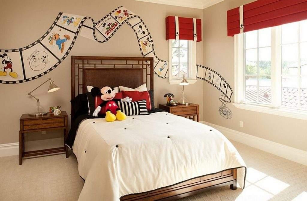 Decoração infantil com tema Mickey Mouse.