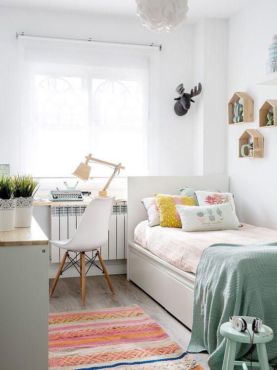 quarto de adolescente branco neutro simples