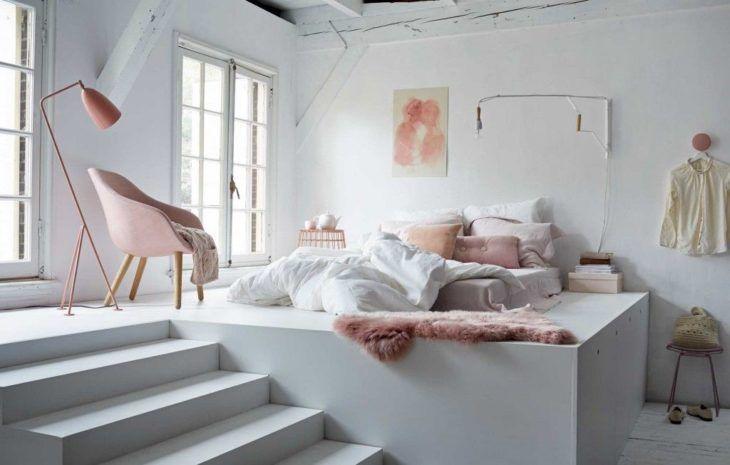 quarto feminino branco e rosa minimalista