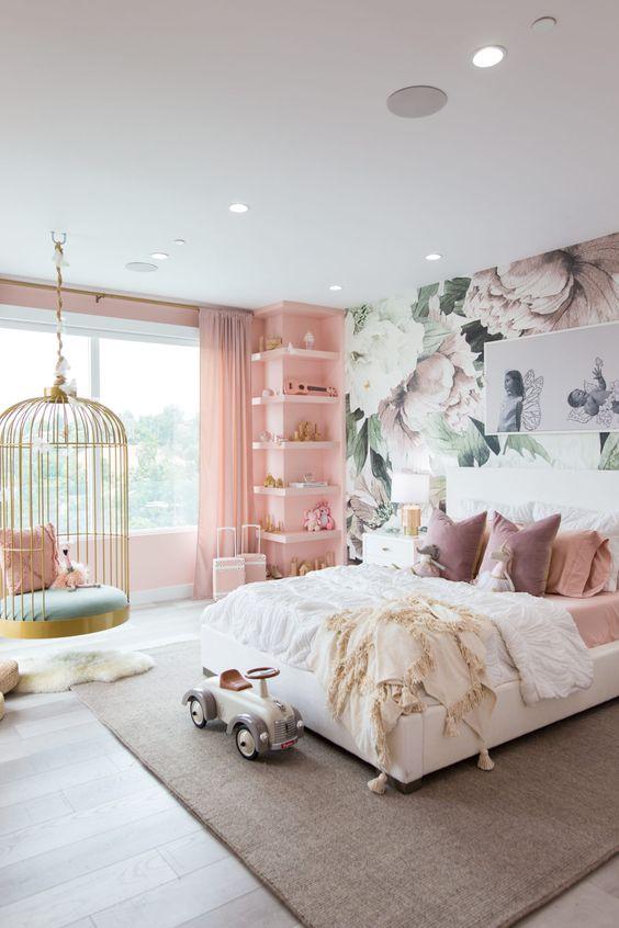 quarto feminino com balanço rosa