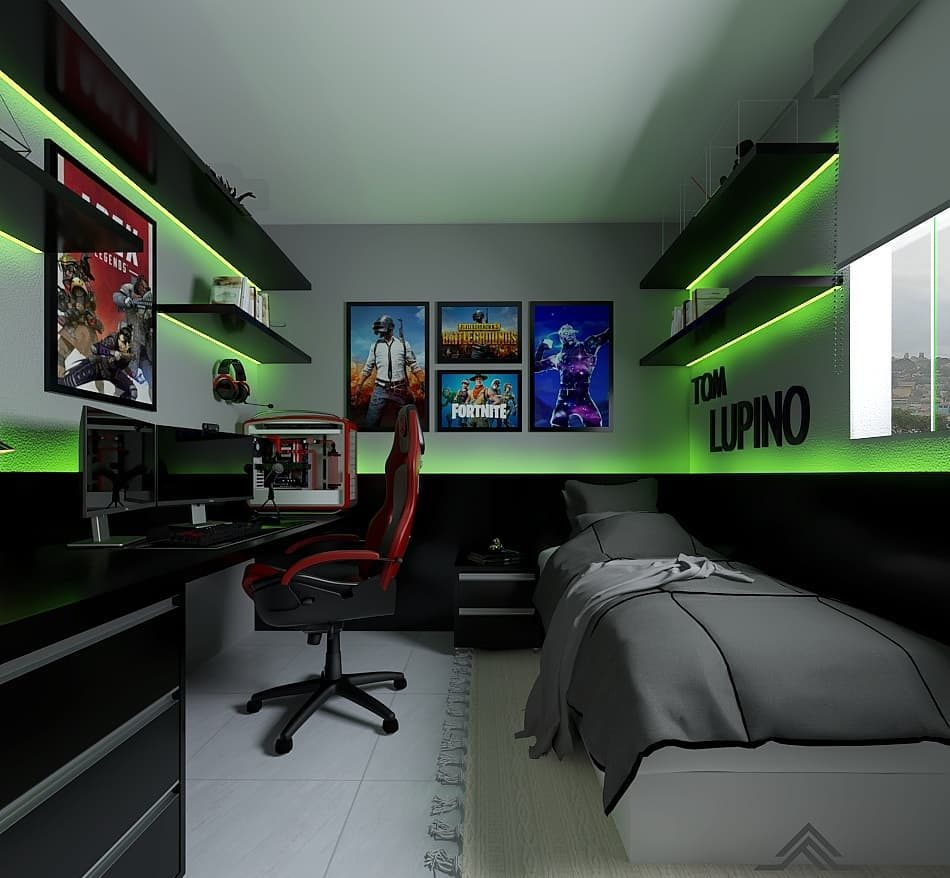 Quarto gamer com fita de led e pôster de jogos e filmes.