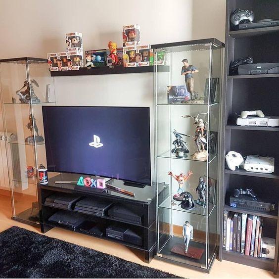 Coleação de consoles de vídeo-games.