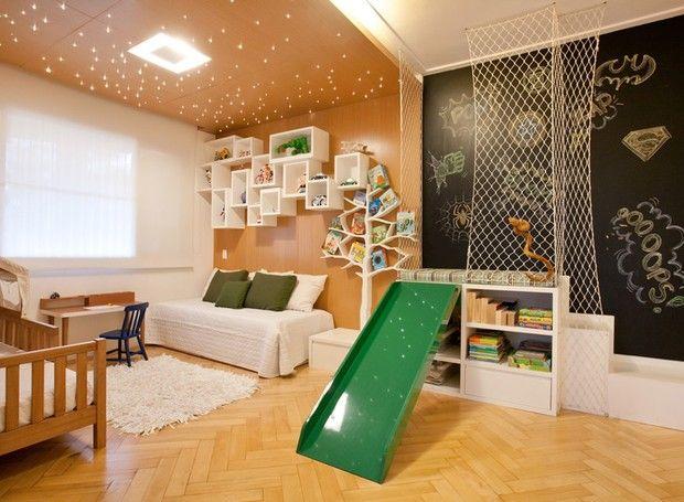escorregador verde para quarto infantil
