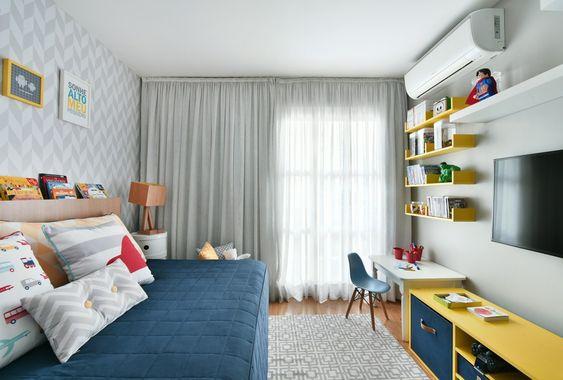 quarto infantil planejado menino azul e amarelo