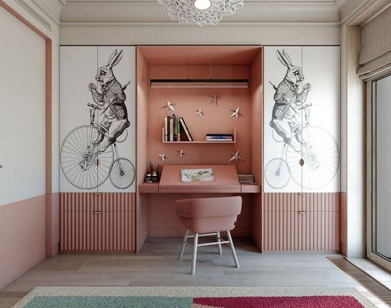 quarto planejado infantil com armário e escrivaninha rosas