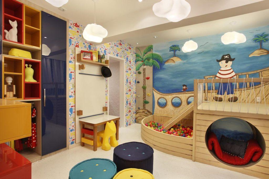 quarto infantil divertido com piscina de bolinhas