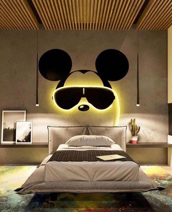 quarto masculino com mickey mouse.