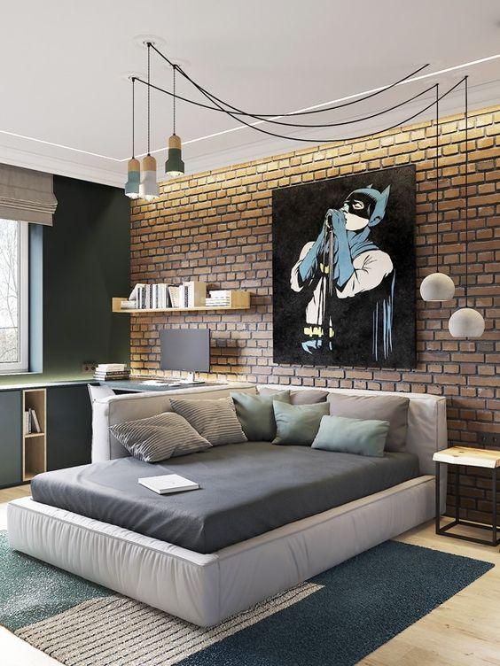 quarto masculino industrial com o batman.