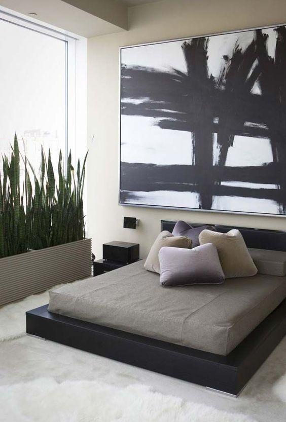 quarto minimalista com tapete branco shaggy