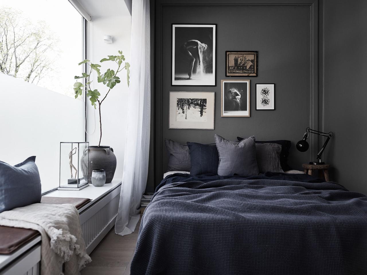 Decoração de quarto preto e branco.