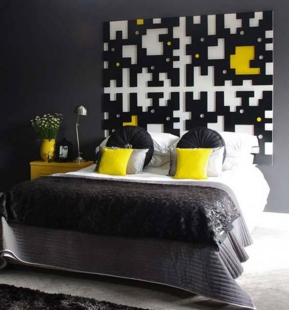 Decoração clássico nas cores preto, cinza e amarelo.