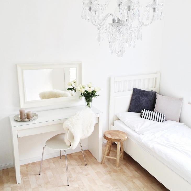 Decoração tumblr com decoração branca.