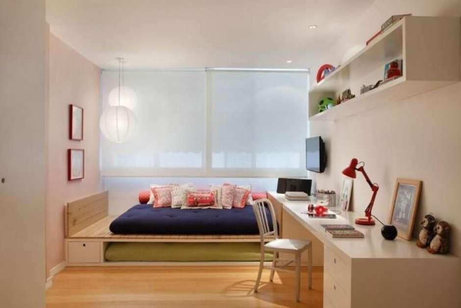 quarto de solteira com cama oriental.
