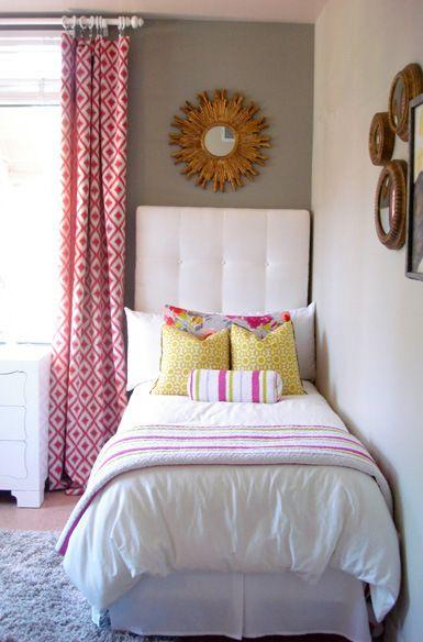 quarto mulher colorido com cama de solteiro