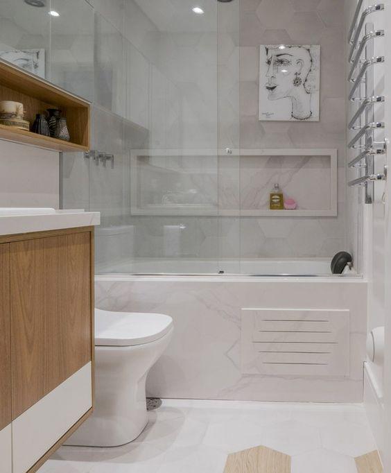 toalheiro aquecido em banheiro.