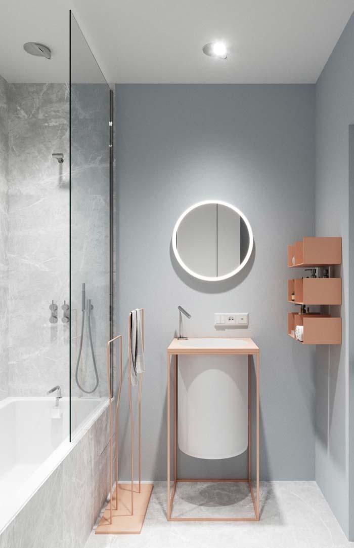 Banheiro feminino moderno com banheiro.