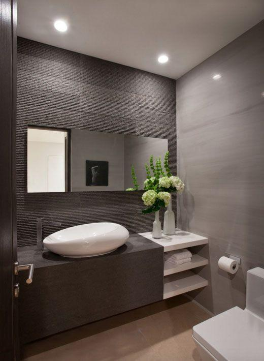 banheiro com cuba assimétrica