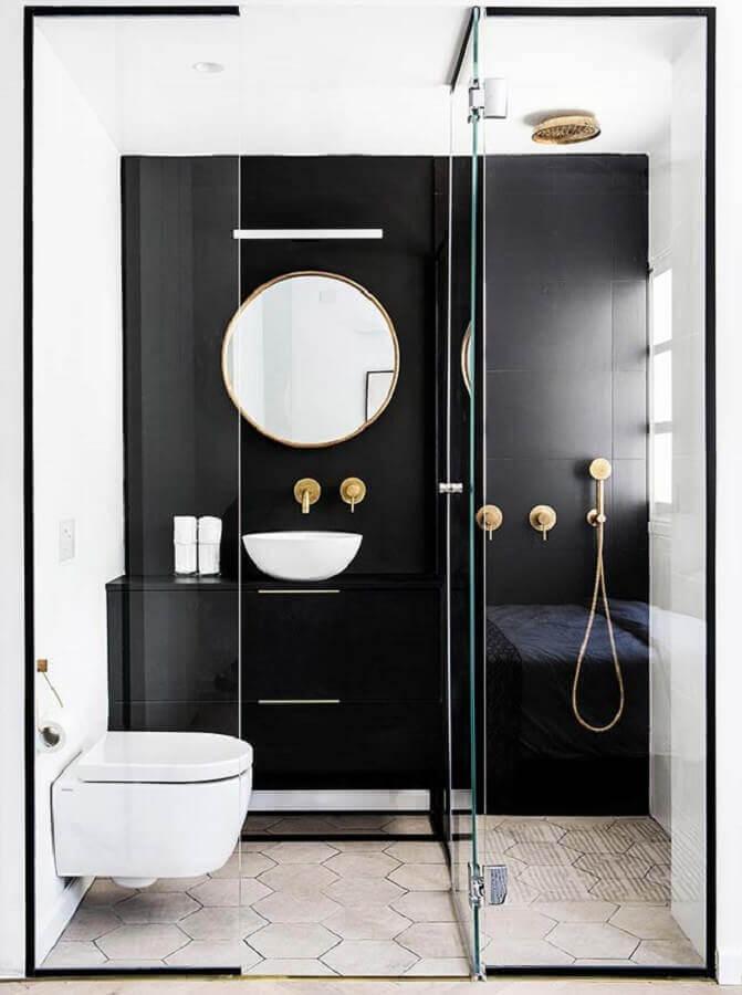 Banheiro pequeno moderno preto.