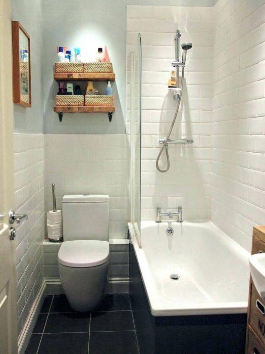 Decoração simples com banheira.
