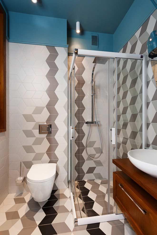 Decoração simples com azulejos neutros.