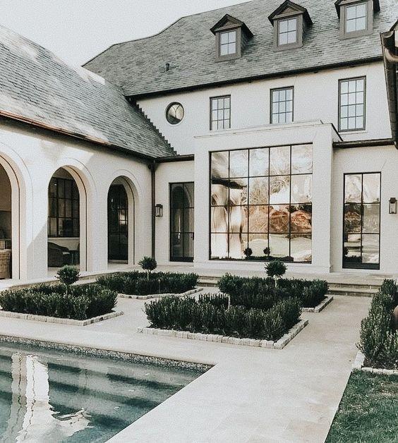 casa em l clássica branca