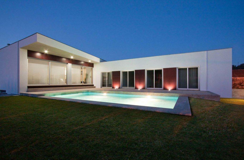 iluminação e piscina