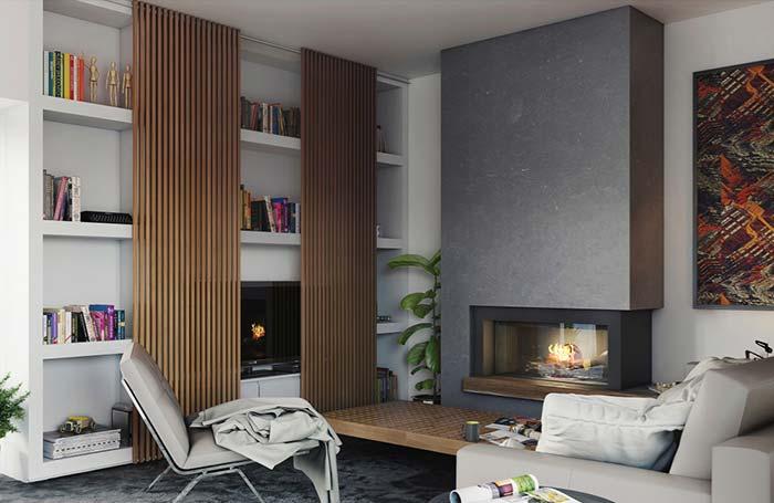Decoração moderna com estante branca de madeira, painéis de madeira e lareira.
