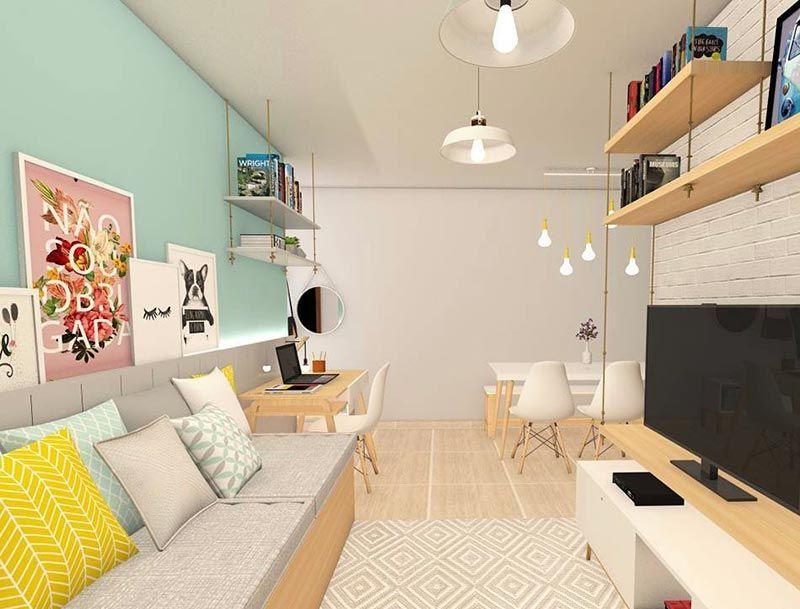 Como decorar uma sala simples com prateleira de madeira e quadros decorados.