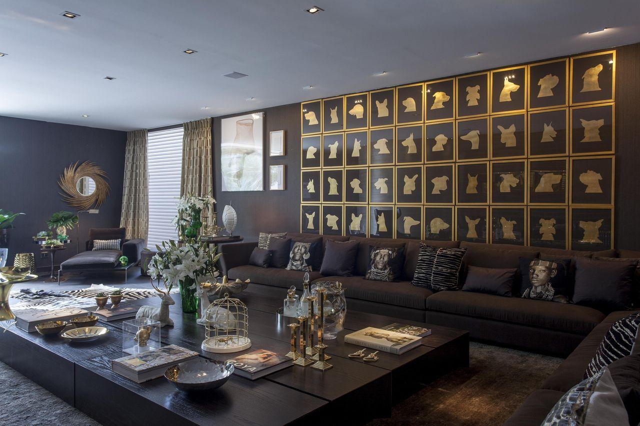 Como decorar uma sala luxuosa com decoração preta.