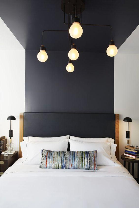 Cores para quarto de casal: branco com faixa preta.