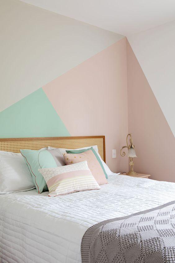 Cores para quarto de casal: rosa, cinza e verde.