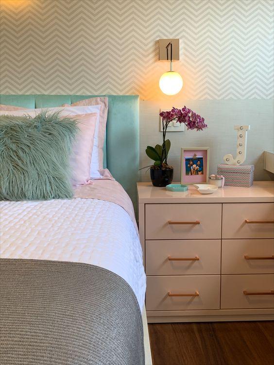 Cores para quarto de casal: verde e branco.
