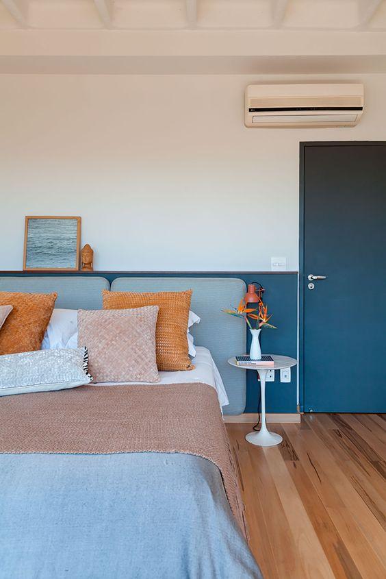 Cores para quarto de casal: diferentes tons de azul.